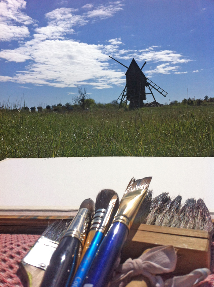 Väderkvarn och bikupor i Södvik - motiv för dagen. Akvarellkurs med Anita Tingskull