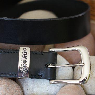 Genuint handsytt läderbälte / livrem