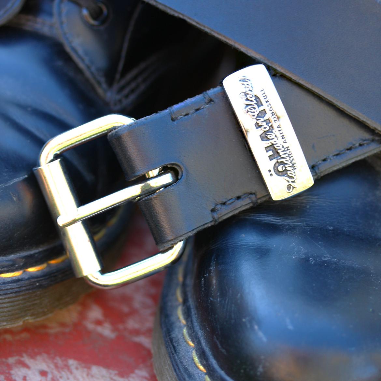 Handsytt läderbälte ÖHAND / Design Anita Tingskull + Dr Martens