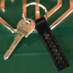 Handtillverkad nyckelring i svart läder